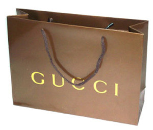 customized-paper shopping bags with embossing logo in UAE