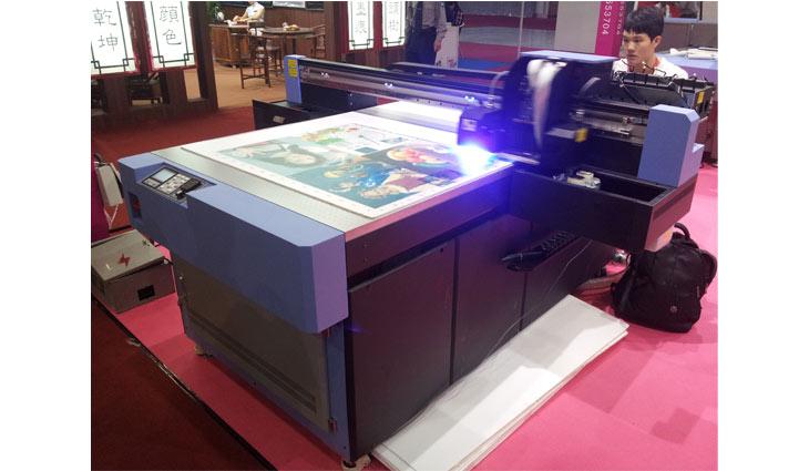 industrial flat bed UV printing in UAE